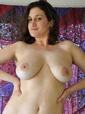 mature inferior nude women stripped