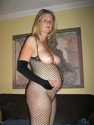 mature silver-tongued nude