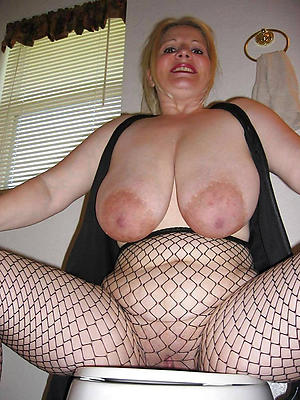 mature oustandingly boobs posing nude