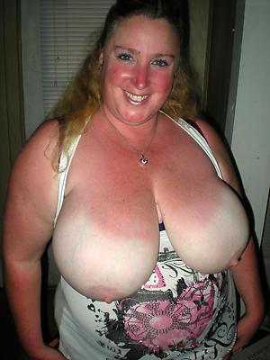 huge mature boobs posing nude