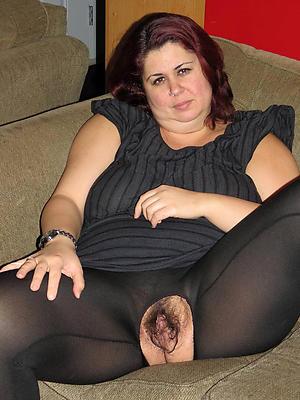 mature brunette woman love porn