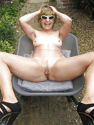 xxx free mature women in self-assertive heels