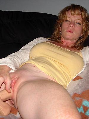 beauties mature masturbating
