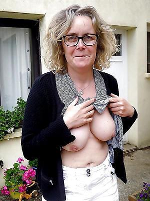 porn pics of nude matured tits