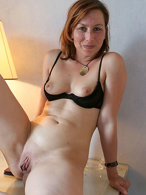 xxx easy scant mature woman