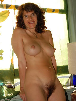 hotties mature nude moms