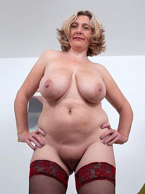 hotties mature sluts naked