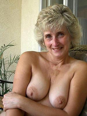 porn pics of mature slut mom