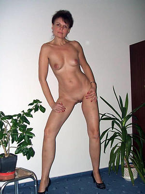 beautiful mature slut moms