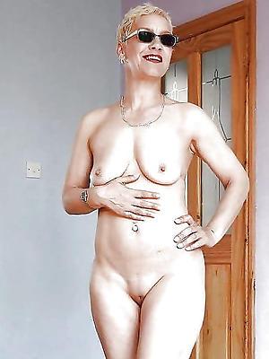 gorgeous materfamilias boobs