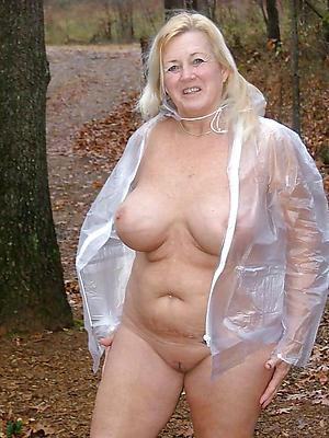 xxx old lady naked