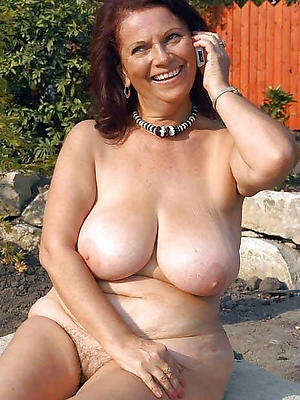 mature readhead stripped nude