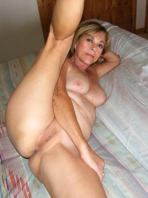 shaved mature cunts stripped