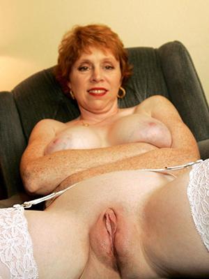 porn pics of shaved mature cunts