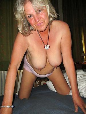 free mature blonds stripped