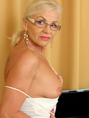 nasty nude mature model porn images