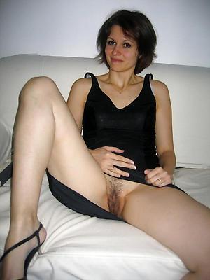 real mature singles posing nude