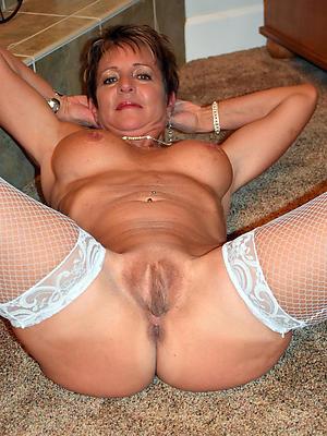 naked single mature ladies