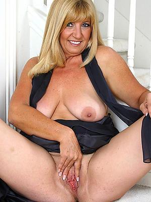 xxx Bohemian mature older women porn pictures