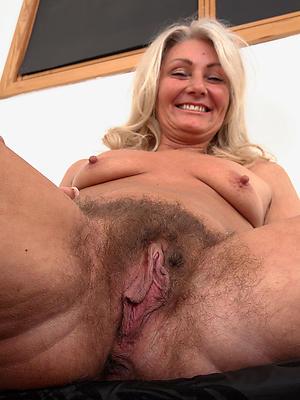 xxx free hairy mature vagina