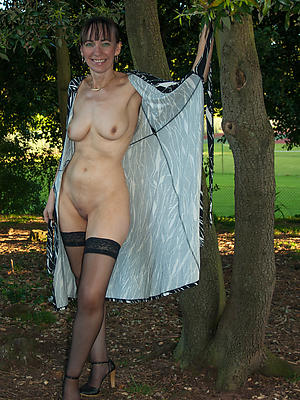 gorgeous mature wife outdoors porn pictures