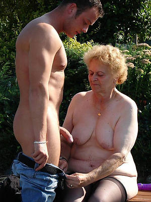 homemade mature wife outdoors pictures
