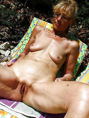 gorgeous saggy tits pics