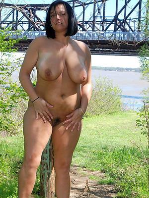 saggy tit women erotic pics