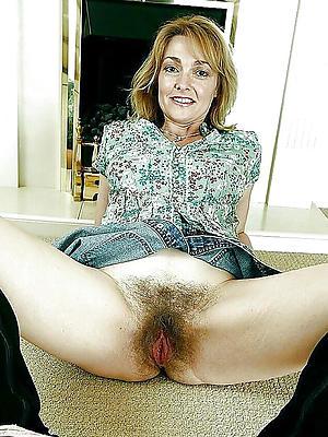 mature vulvas