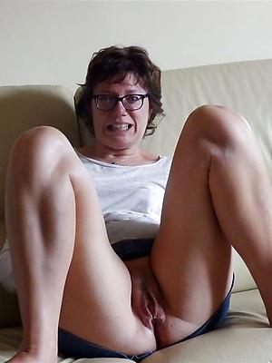 crazy mature vulvas porn galleries
