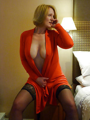 sexy down in the mouth mature women nude pics
