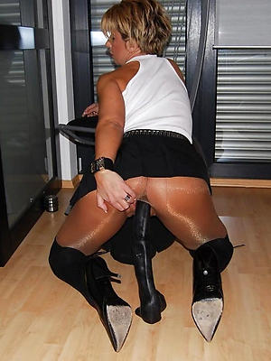 beautiful mature woman in pantyhose