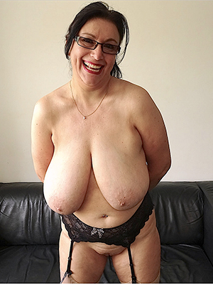 free pics of mature tow-haired with glasses
