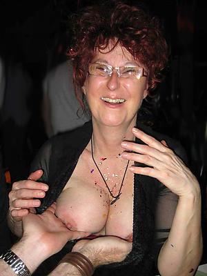 cuties mature  women in glasses nude pics