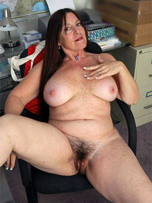 xxx naked mature brunettes