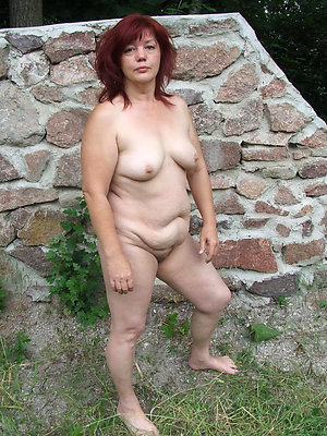 chubby mature pussy posing unconcealed