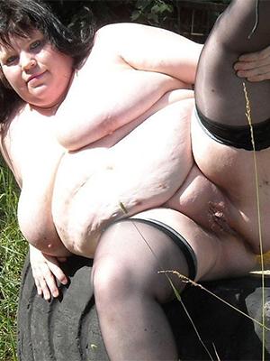 free pics of chubby mature mom