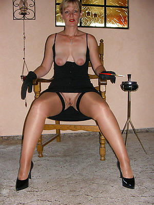 cuties mature women in nylons porn galleries