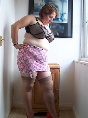 homemade matured women in nylons posing essential