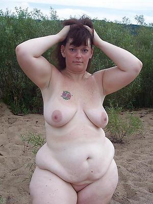 xxx mature unclad beach women