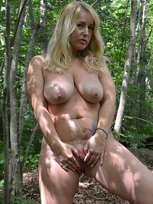 single grown up women stripped