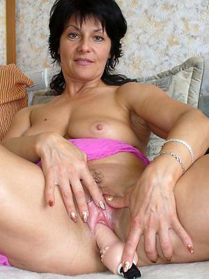 sexy single mature women