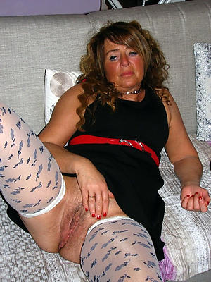 matured dame xxx stripped