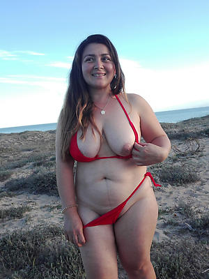 free pics of mature progenitrix bikini