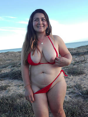 xxx mature woman encircling bikinis porn pics