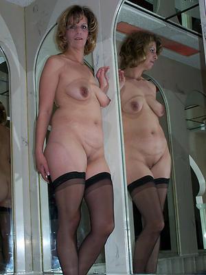 natural mature comprehensive posing nude