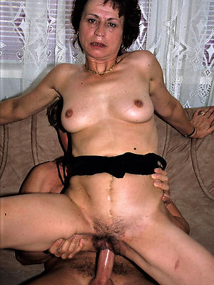 free mature sexstripped