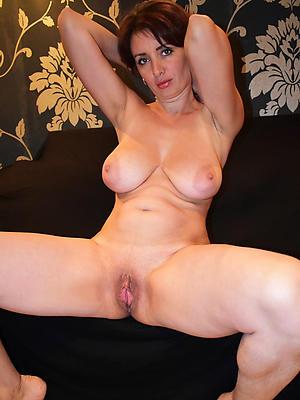 slutty mature hairy cunts porn pics