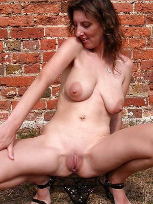 free pics of mature hairy vulva