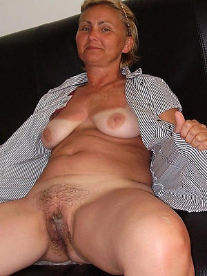 beautiful mature down in the mouth vulva porn pics